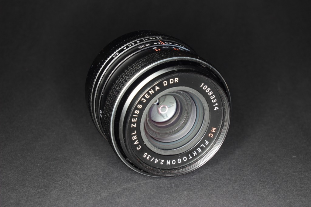 Carl Zeiss Jena 2,4/35mmCarl Zeiss Jena 2,4/35mm