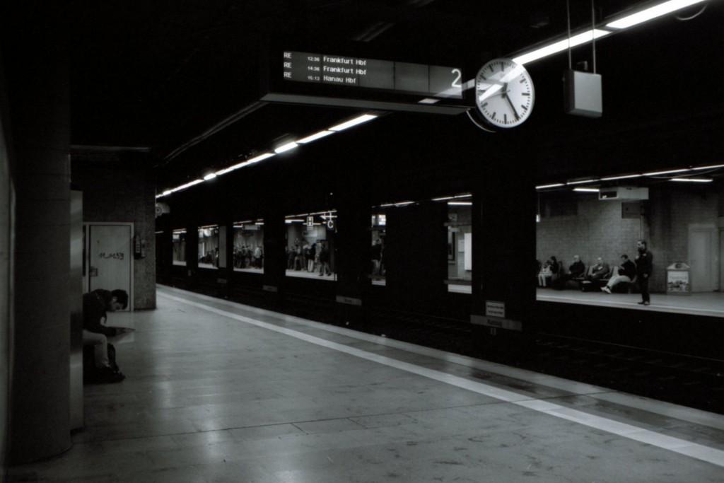 Regionalbahnhof am Frankfurter Flughafen